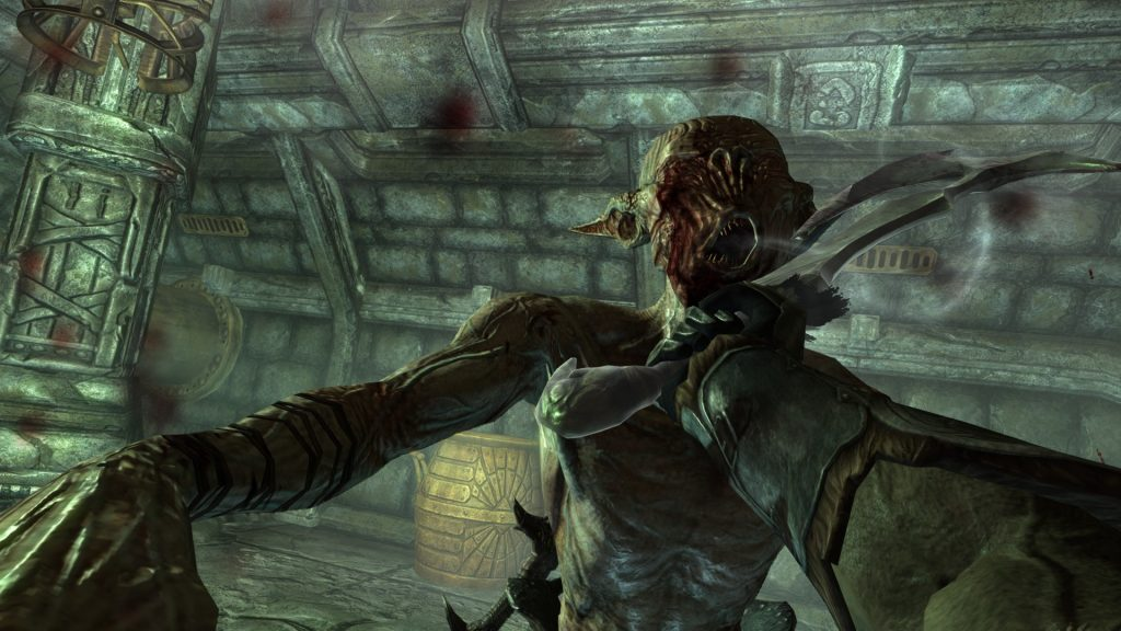 Skyrim Screenshot Fighting an Enemy