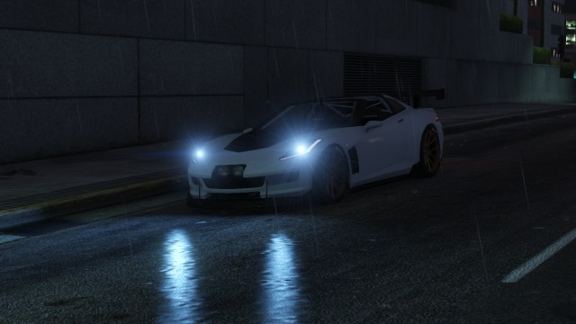GTA V (GTA 5) Screenshots - Integrity Way - Car Lights In Reflection From Wet Road