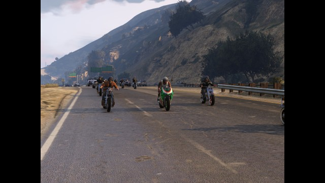 GTA V (GTA 5) Screenshots - Senora Freeway - Motorbike Parade
