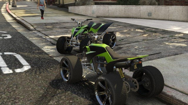 GTA V (GTA 5) Screenshots - South Mo Milton Drive West Vinewood - Quad Bikes