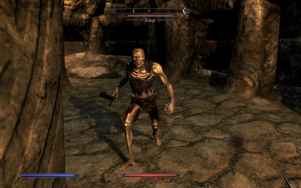Skyrim Screenshot Fighting a Draugr