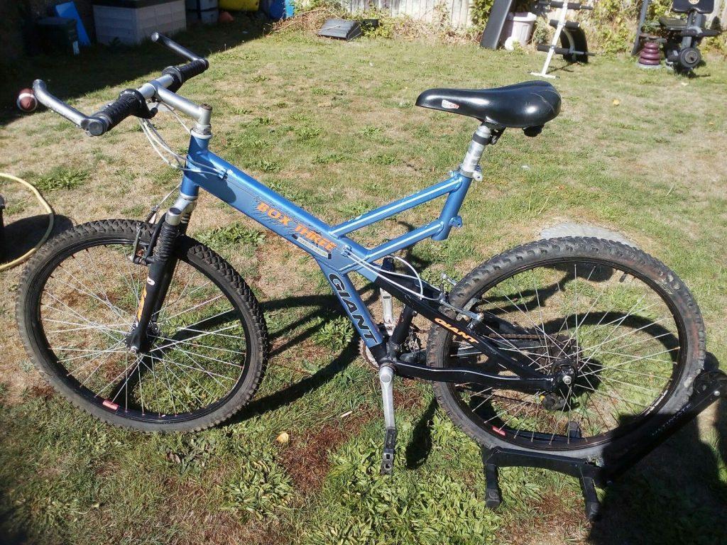 Giant Box Three Freeride Series Mountain Bike Blue, Light Blue, Purple Frame