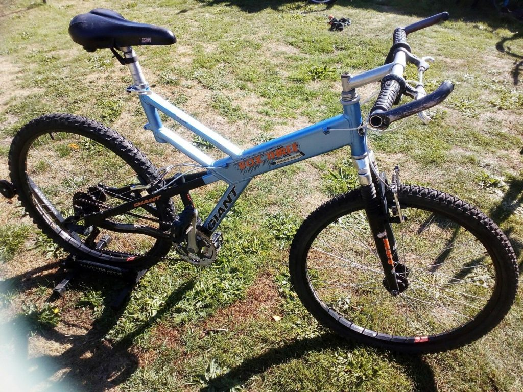 Giant Box Three Freeride Series Mountain Bike Blue, Light Blue, Purple Frame